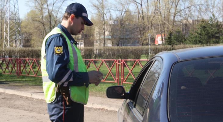 В Коми пьяная автоледи убегала от водителя, в машину которого влетела