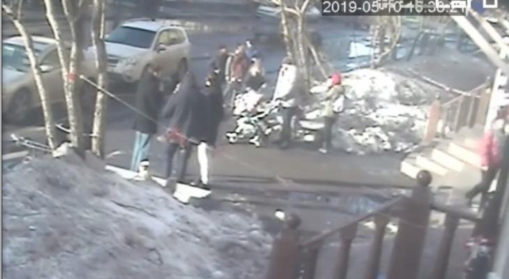В Коми полиция разыскивает подозреваемого, который брызнул в лицо подростку из газового баллончика