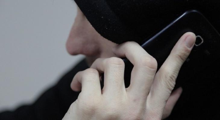 """58-летний ухтинец лишился всех денег, пытаясь """"защитить карту от мошенников"""""""