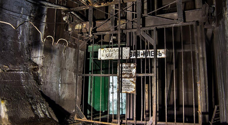 Два шахтера не выходят на связь после задымления нефтешахты на Яреге