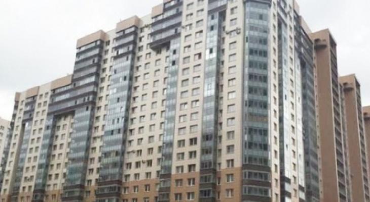 Жительница Коми выпала из окна в Санкт-Петербурге
