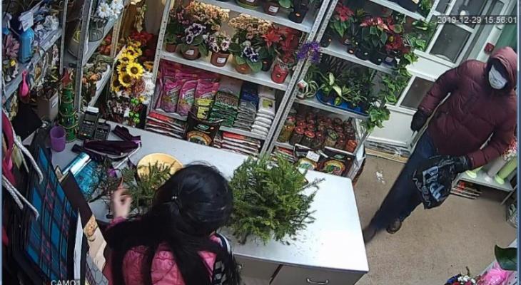 В Коми мужчина ограбил цветочный магазин и теперь пойдет под суд