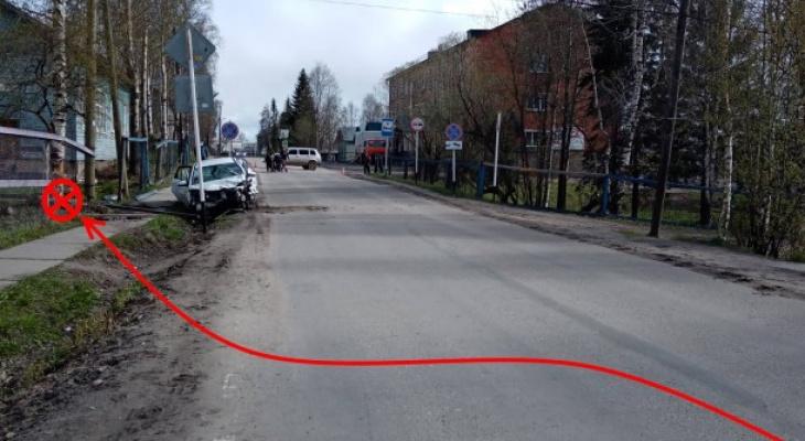 В Коми после столкновения «Лады» с деревом погибла пассажирка