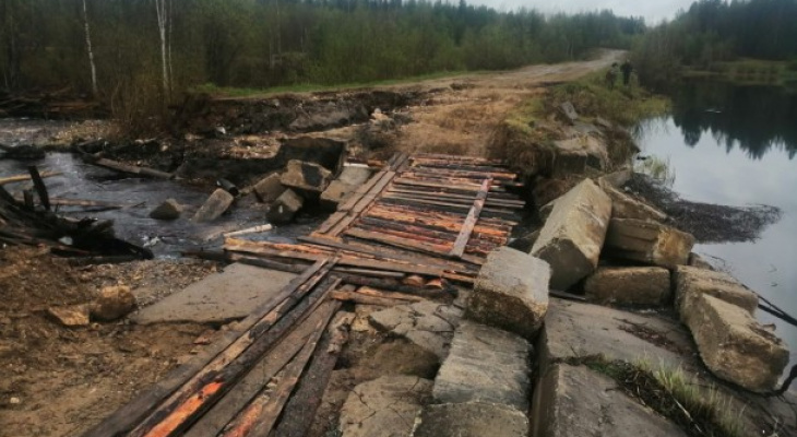В Ухтинском поселке не могли похоронить родственника из-за отсутствия дороги