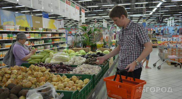В Коми за неделю подорожали огурцы, яблоки и анальгин
