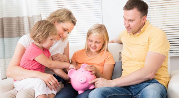 """Российские семьи рассказали о размере дохода для """"нормальной жизни"""""""