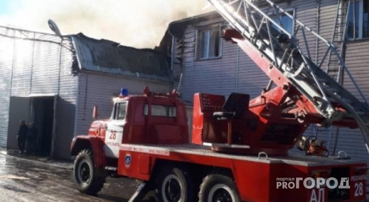 В Коми горели многоквартирный дом, дача и прицеп лесовоза