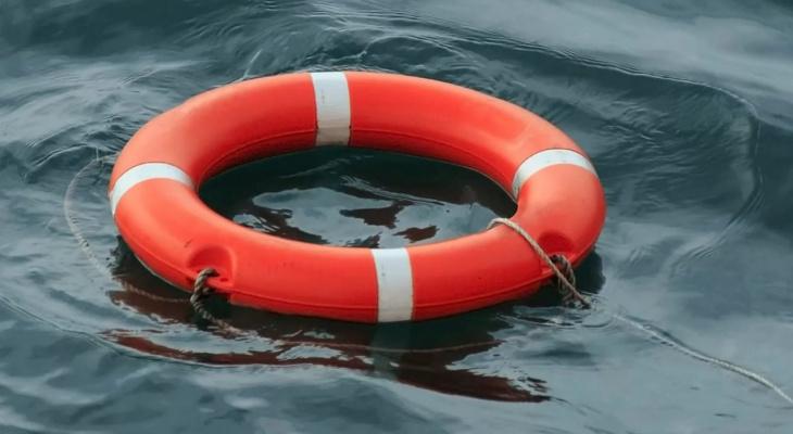 В Коми молодые люди едва не утонули, спасая школьницу