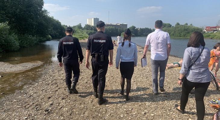 В Ухте полицейские снова вышли на пляж к отдыхающим