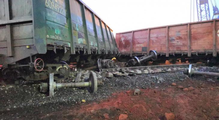 Под Сосногорском с рельс сошли 11 вагонов с углем