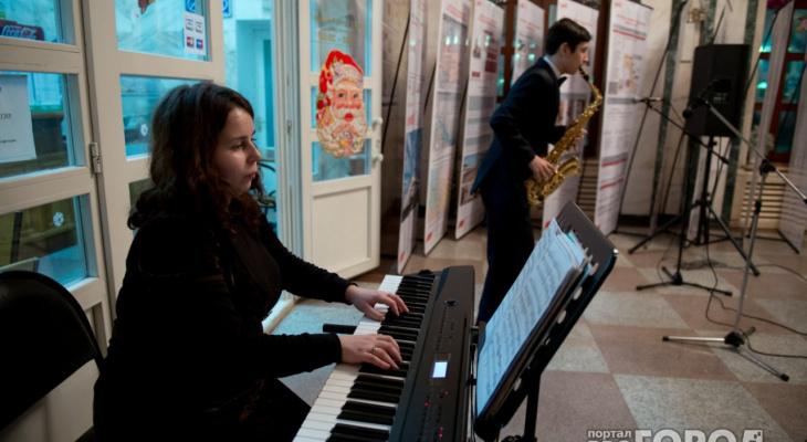В ухтинскую музыкальную школу поступила партия новых инструментов
