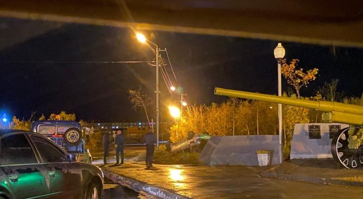 В Коми сотрудник ОМОН помог пострадавшему выбраться из разбитой машины после ДТП