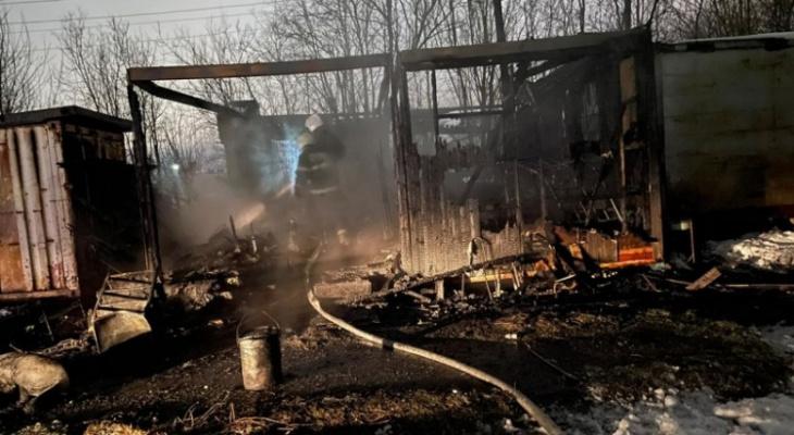 В Коми при пожаре в балке погибли два человека