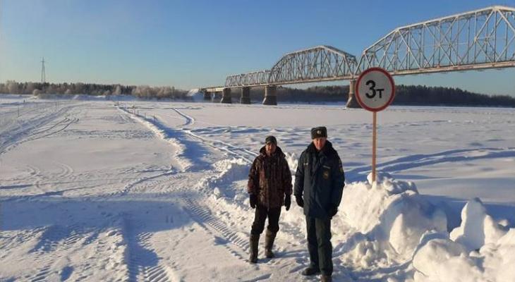 В Ухте через реку Ижму открыли ледовую переправу для транспорта