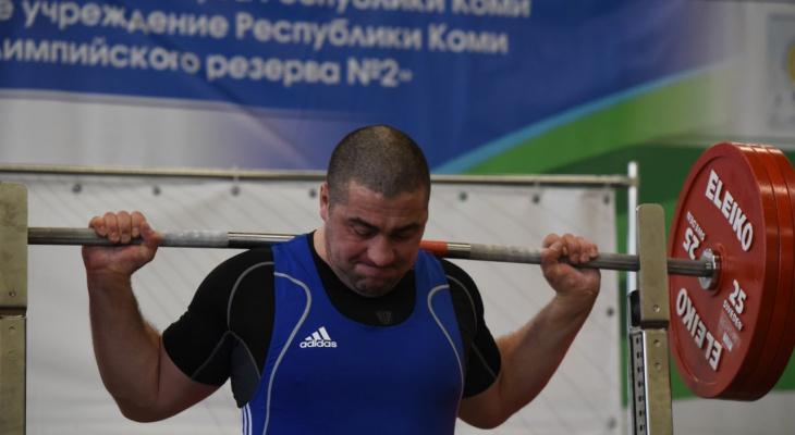 Ухтинские атлеты приняли участие в чемпионате и первенстве Коми по пауэрлифтингу