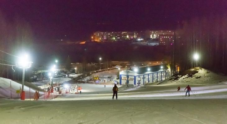 """Жители Ухты насладились """"ночными катаниями"""" на базе """"Сияние Севера"""": фотоотчет"""