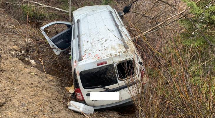 Под Ухтой произошла страшная авария с вылетом в кювет