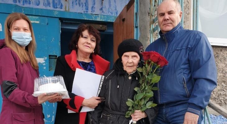 Президент России поздравил жительницу Коми с 90-летием